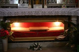 Más sobre la lápida de Santa Filomena